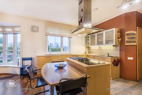 kinnisvarafoto kinnisvara fotograaf lõuna-eestis avatud köök ülenurme tartumaa