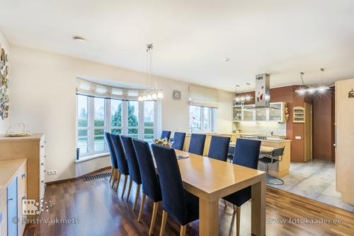 kinnisvarafotograaf avatud köök ülenurme tartumaa maja pildistamine hea kinnisvarafoto