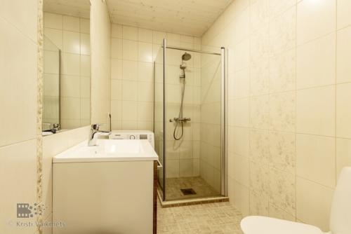 kinnisvarafotograaf Tartu fotokaader vannituba