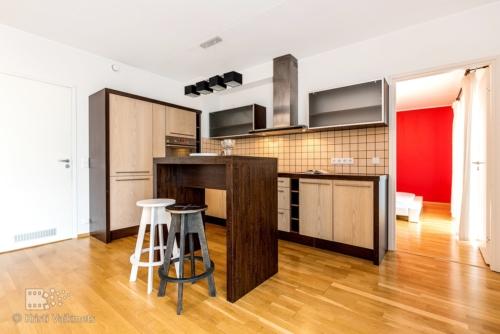 avatud köögiga korteri pildistamine kinnirvarafirmadele lainurkobjektiiviga fotograaf kristi vaikmets