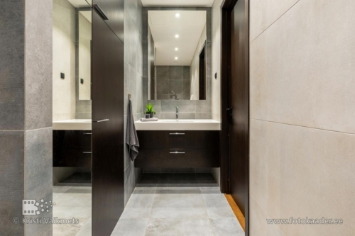 rumbi 4 tallinn korteri pildistamine kalamajas vannituba vannitoamööbel